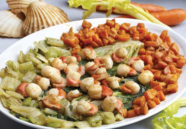 Capesante su letto di lattuga, carote e sedano