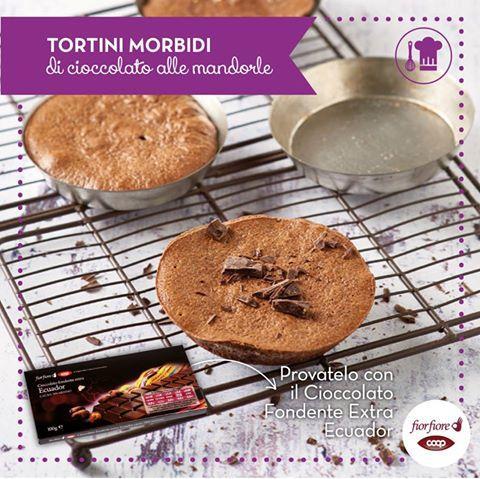 Tortini morbidi  di cioccolato alle mandorle