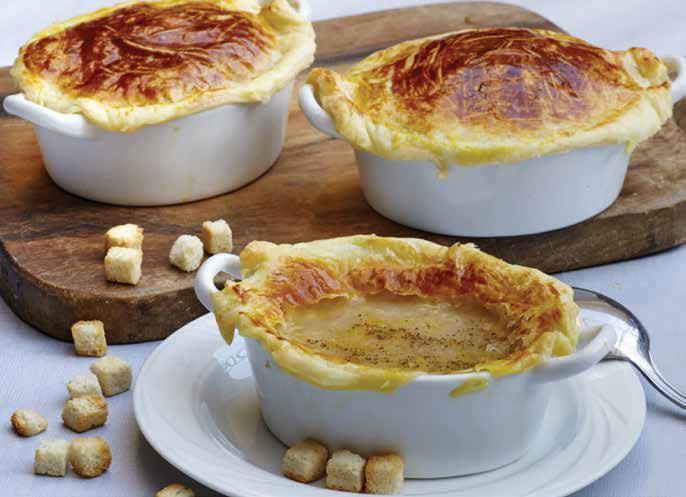 Zuppa di cipolle e patate in crosta